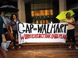 Walmart-GAP_10Jul2013jpeg