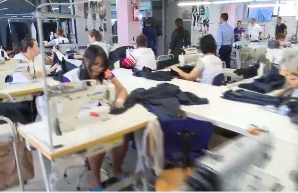 410429a970f3 Donne nell'industria dell'abbigliamento e delle calzature in Albania.  Pubblichiamo la traduzione di ...